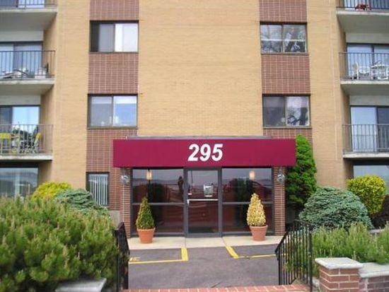 295 Lynn Shore Dr APT 507, Lynn, MA 01902