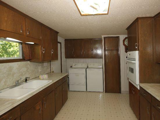 235 S Maple St, Oologah, OK 74053
