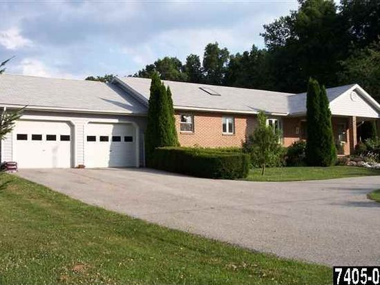 4548 Rinely Rd, Stewartstown, PA 17363