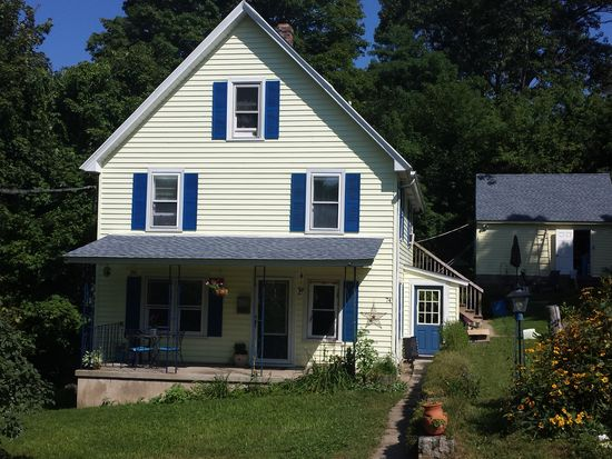 74 Crown St, Winsted, CT 06098