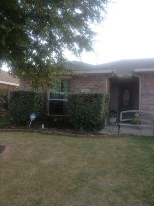 321 Oxford St, Burleson, TX 76028