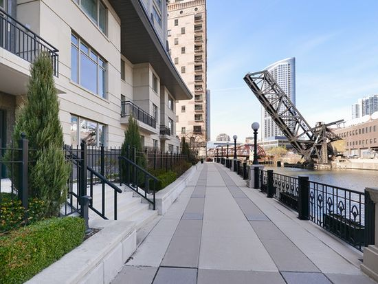 333 N Canal St # 102, Chicago, IL 60606