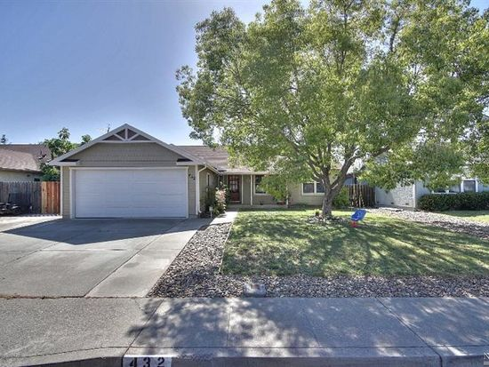 432 Temple Dr, Vacaville, CA 95687