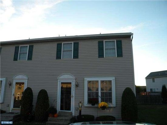 111 Canberra Ct, Sinking Spring, PA 19608