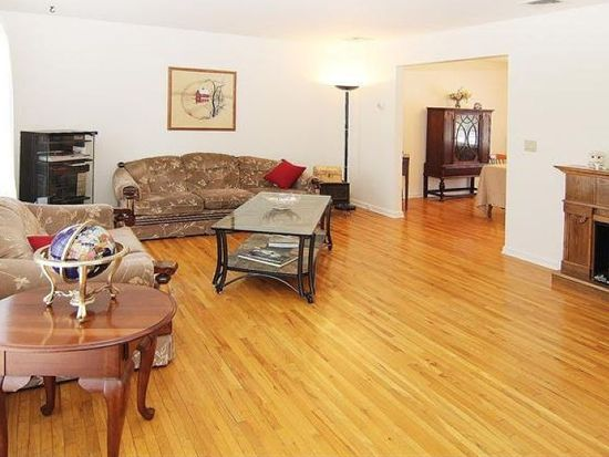 22 Dales Xing, Sussex, NJ 07461