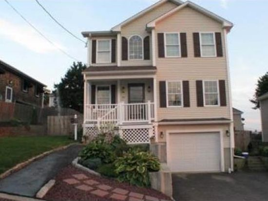 95 Bliss St, Fall River, MA 02720