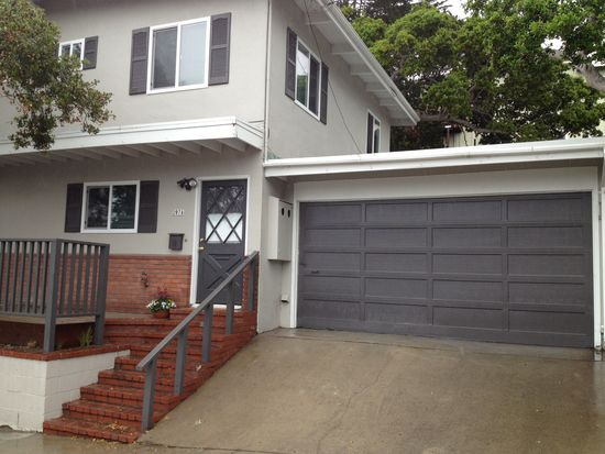 207 8th St # A, Pacific Grove, CA 93950