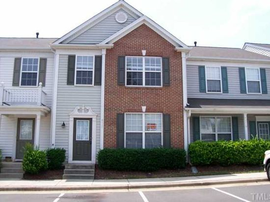 8517 Silhouette Pl, Raleigh, NC 27613