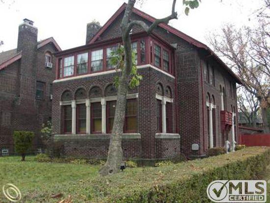 3404 Iroquois St, Detroit, MI 48214
