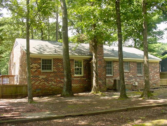 11124 Robious Rd, North Chesterfield, VA 23235