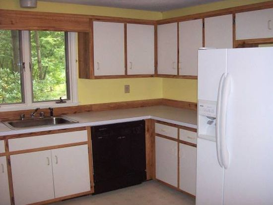 3 Winding Pond Rd, Londonderry, NH 03053