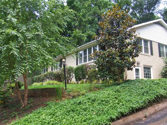 15 Lotus Ct, Greenville, SC 29609