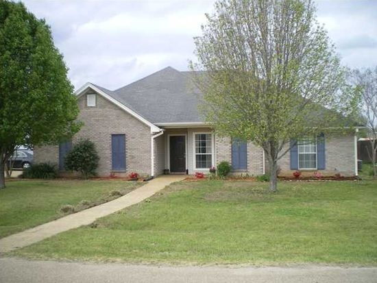 135 Appleridge Dr, Brandon, MS 39047