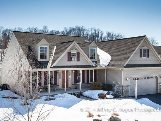 66 Apple Blossom Ln, Womelsdorf, PA 19567