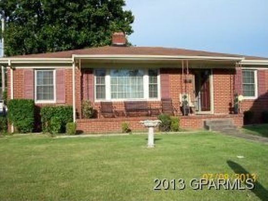 1607 Lincoln Dr, Greenville, NC 27834