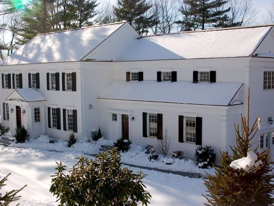 39 Temple Rd, Wellesley, MA 02482