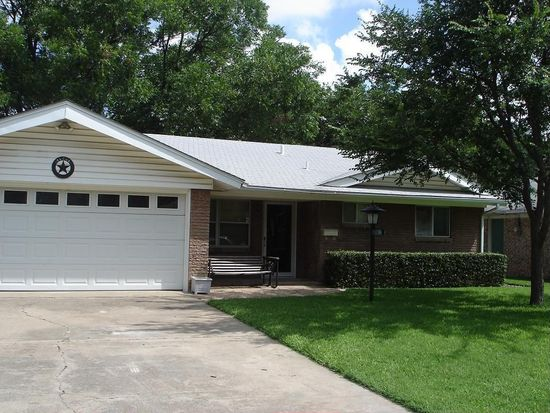 226 W Dorris Dr, Grand Prairie, TX 75051
