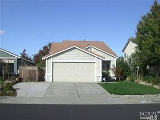 577 Edenderry Dr, Vacaville, CA 95688