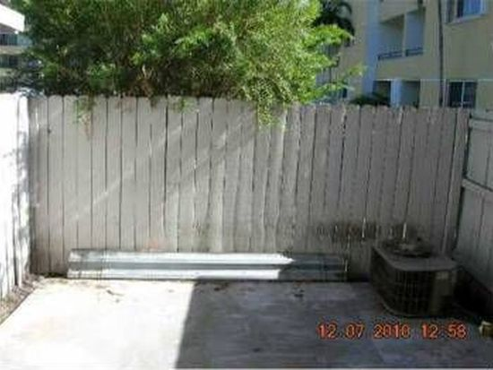 8340 NW 8th St APT N11, Miami, FL 33126