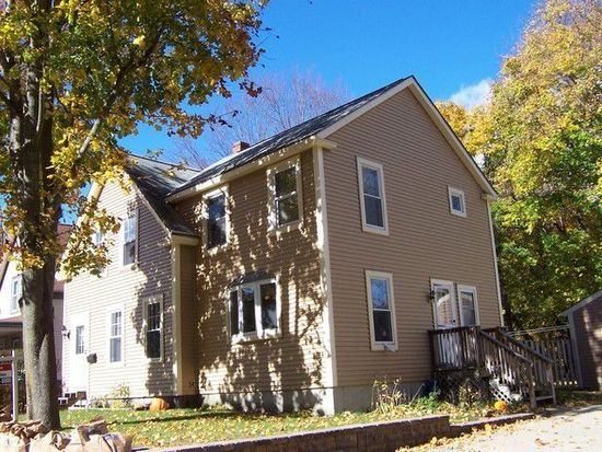 38 Russell Ave, Nashua, NH 03060