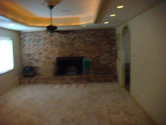 105 Cottonwood Ln, Silsbee, TX 77656