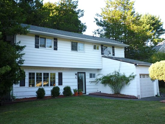 6 Clematis Rd, Brewster, NY 10509