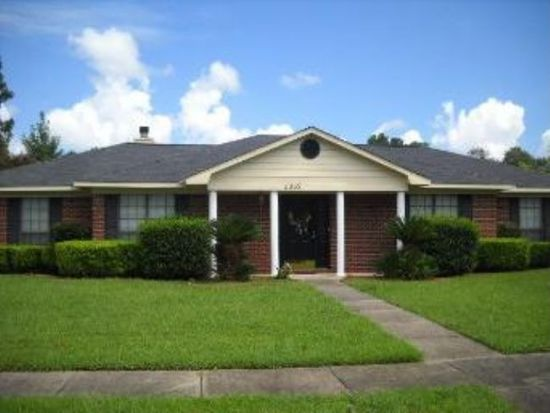 3052 Michele Dr, Mobile, AL 36605