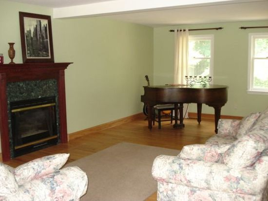 6 Millbrook Rd, Brookline, NH 03033