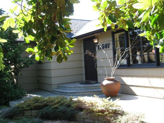 11507 1st Ave NW, Seattle, WA 98177