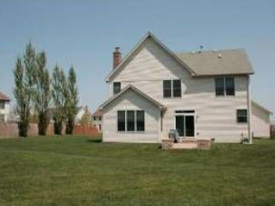 1160 Hunters Rdg W, Hoffman Estates, IL 60192