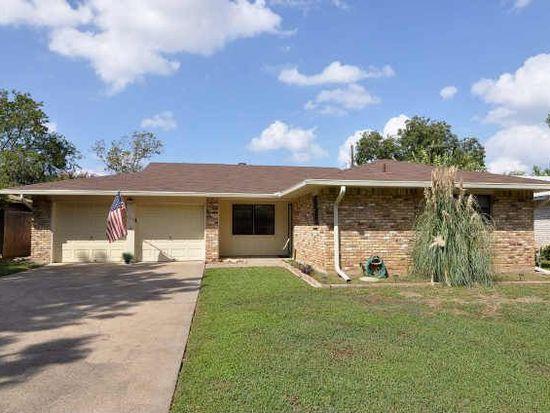 644 Oak Dr, Hurst, TX 76053