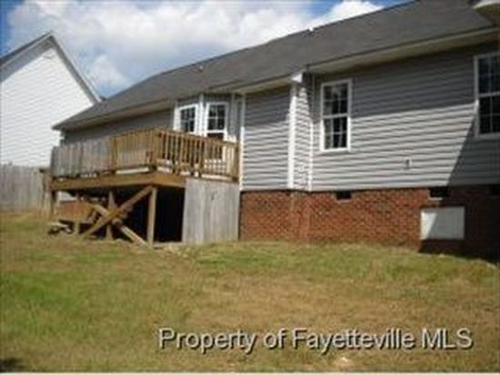 521 Bramblegate Rd, Hope Mills, NC 28348