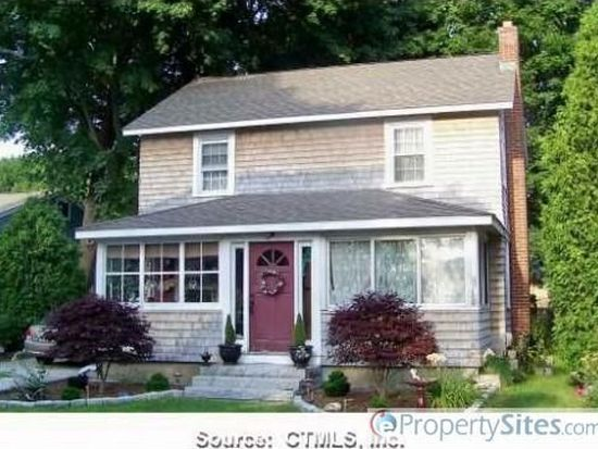 4 Grove Ave, Niantic, CT 06357