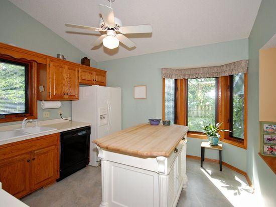 9423 Annapolis Ln N, Maple Grove, MN 55369