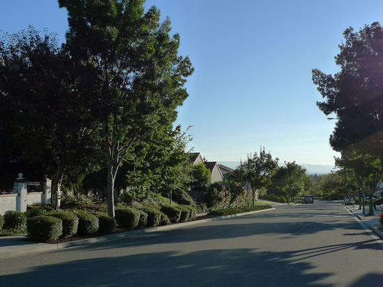 2281 Glenview Dr, Milpitas, CA 95035