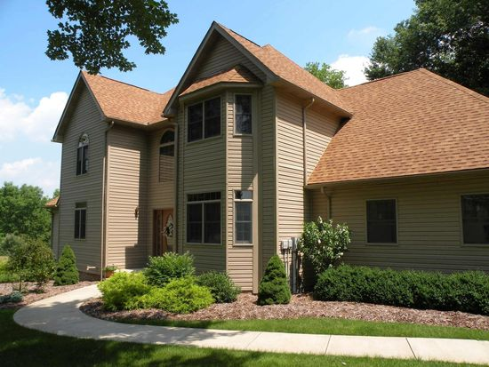 112 Willow Dr, Slippery Rock, PA 16057