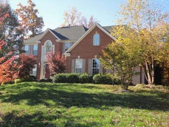 6944 Tanglewood Dr, Warrenton, VA 20187