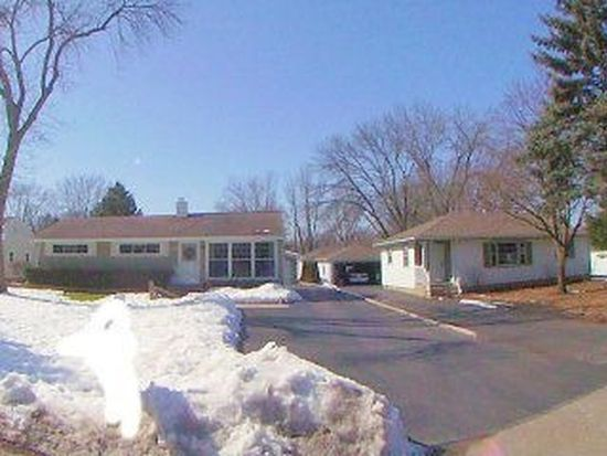 1707 Knoll Ave, Mchenry, IL 60050