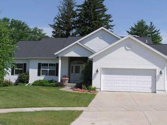 4502 Woodsonia Ct NW, Cedar Rapids, IA 52405
