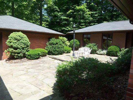 801 Koonce Rd, Hermitage, PA 16148