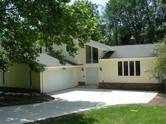 33170 Ledge Hill Dr, Solon, OH 44139