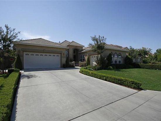 2827 E Omaha Ave, Fresno, CA 93720