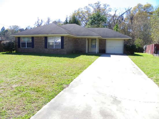 982 Birchfield Dr, Hinesville, GA 31313