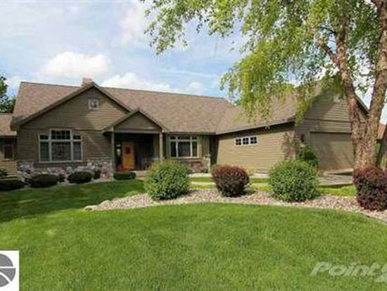 5001 Arrowhead Ct, Williamsburg, MI 49690