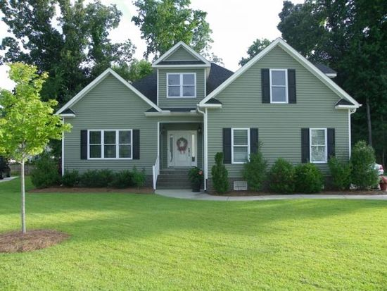 2835 Little Gem Cir, Winterville, NC 28590