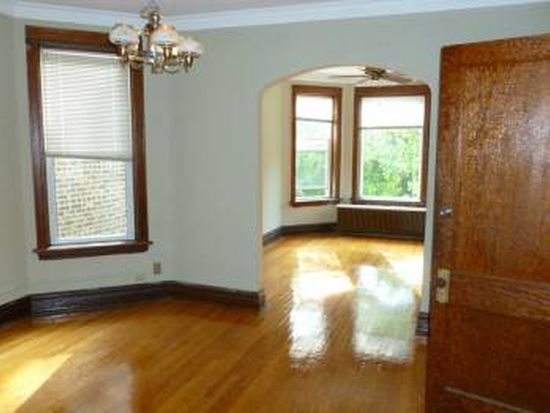 4237 N Winchester Ave, Chicago, IL 60613