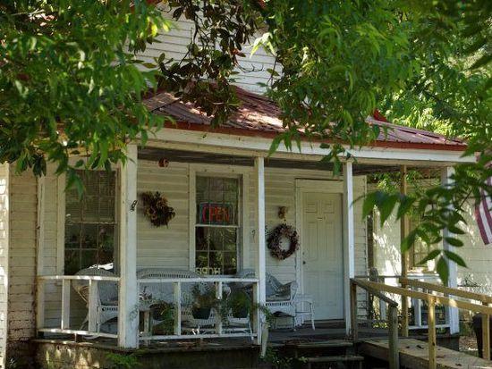 7 Mill St, Warrenville, SC 29851