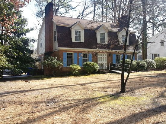 1724 Forest Hill Dr, Greenville, NC 27858
