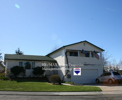 825 SW Kingma Ct, Oak Harbor, WA 98277