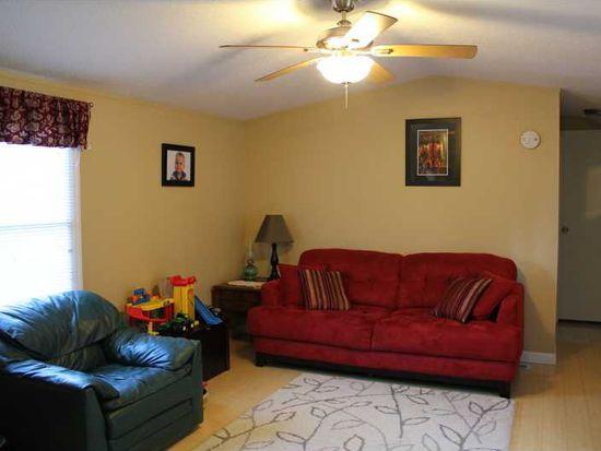 33 Circle Dr, Finleyville, PA 15332